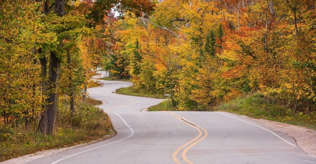 winding road, gills rock, door county, fall colors, fall color locations, fall color photography, autumn
