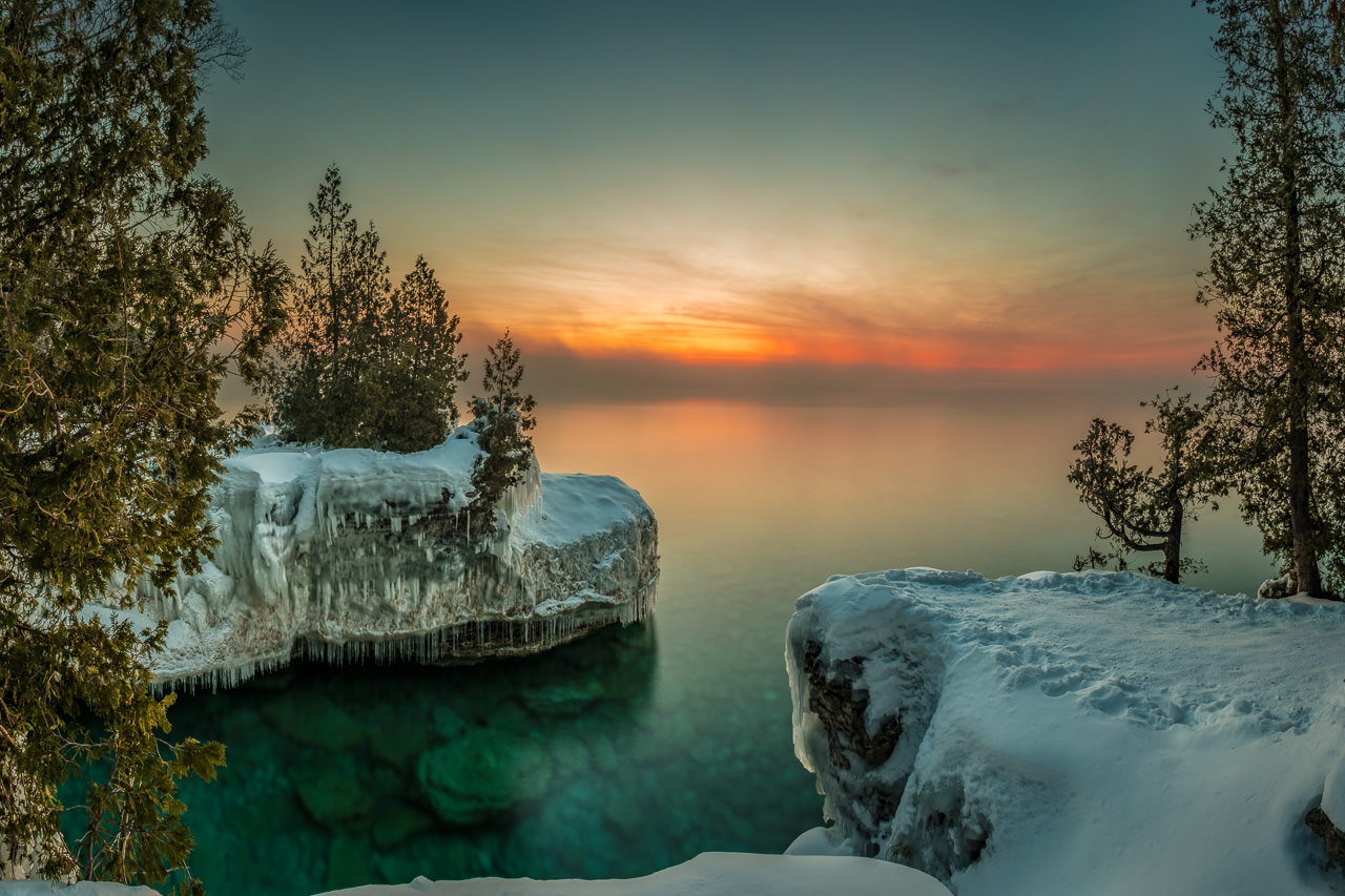 cave point county park, door county, wisconsin, sturgeon bay, winter, snow, sunrise